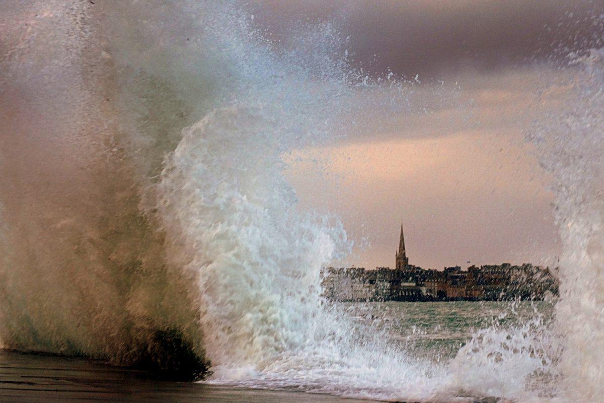Fenêtre ouverte sur St Malo, Eric - Tous droits réservés